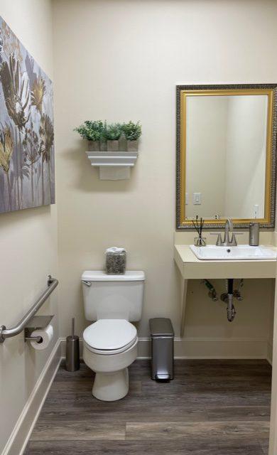 Bathroom (handicap accessible)